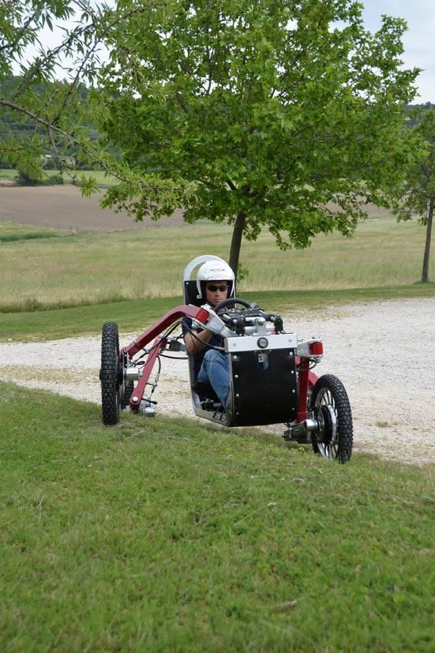 Swincar tilting 4-wheel-drive
